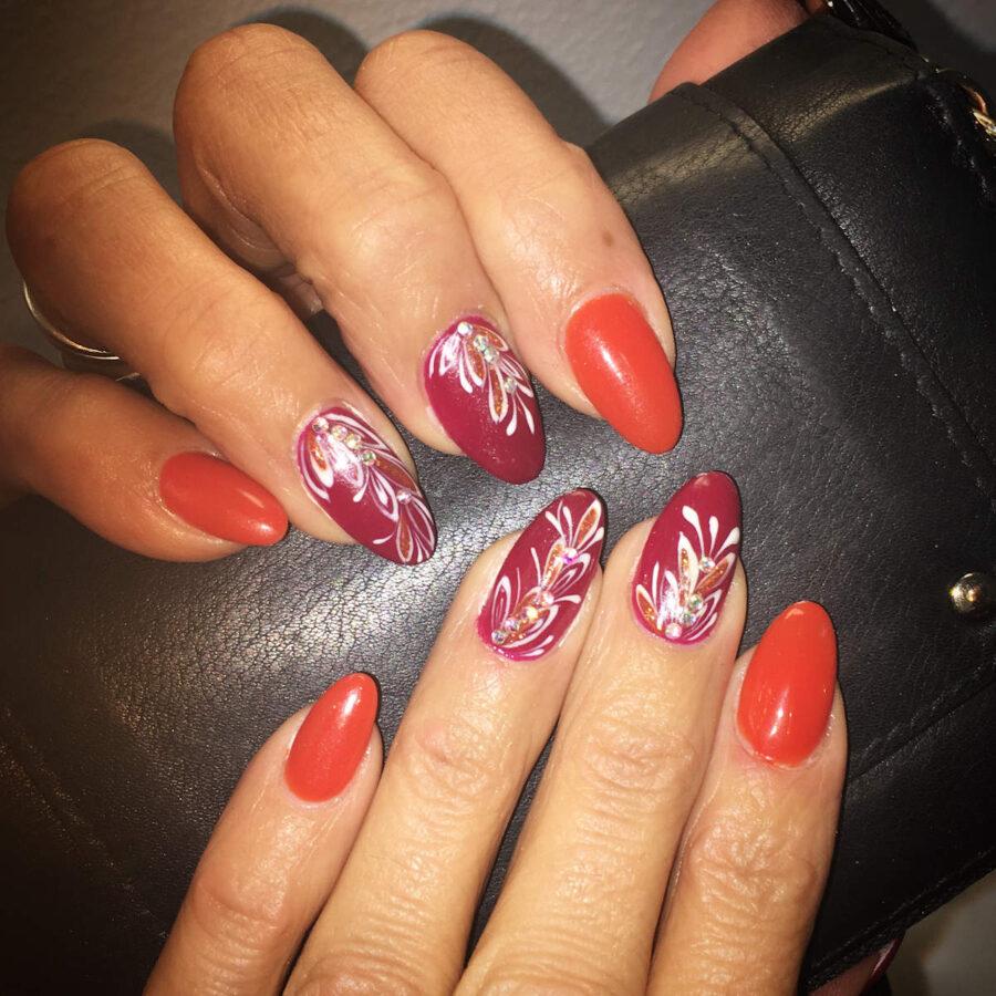 unghi di donna rosse